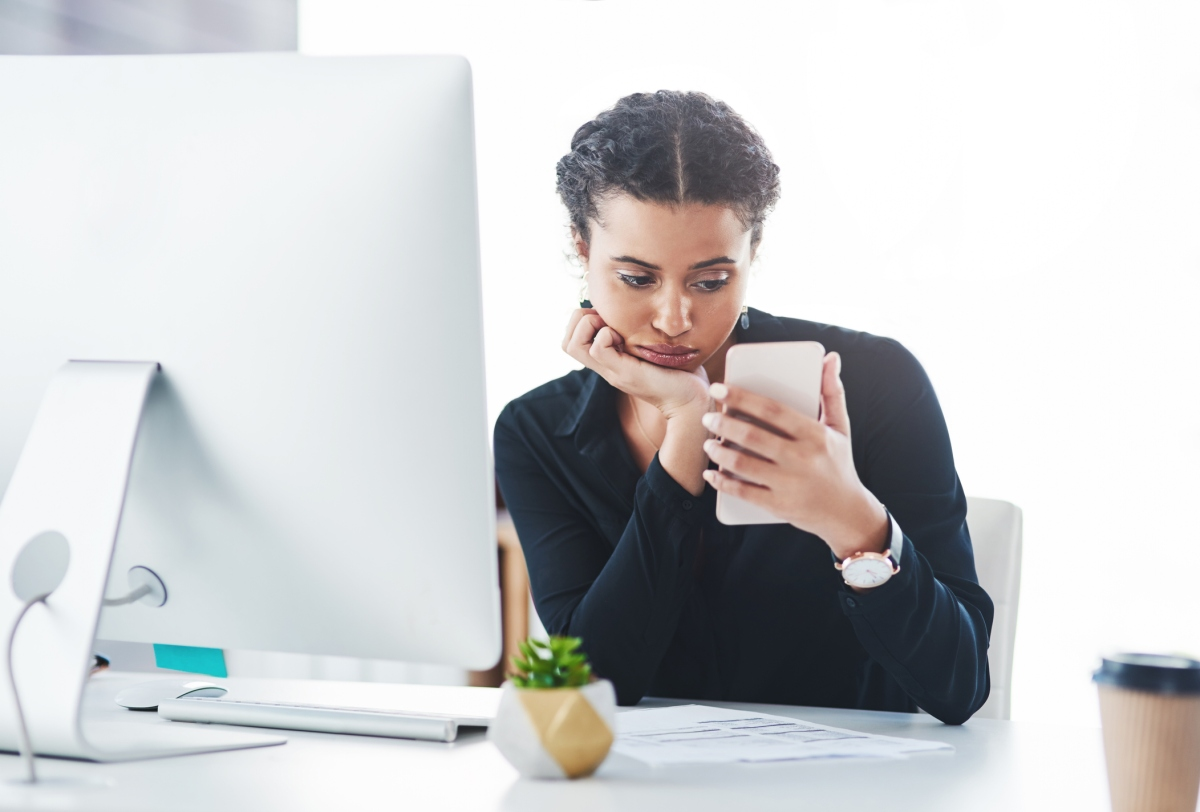 Looking At Your Phone At Work Might Make You Even More Bored